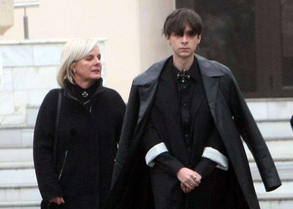 Cu ce se ocupă fratele Cristinei Țopescu. Sebi a atras toate privirile la incinerarea jurnalistei